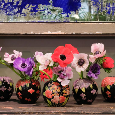 Vasi con fiori festa della mamma
